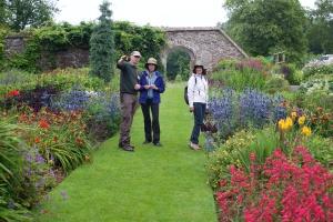 Avere il giardino tutto per noi ed il capo giardiniere a disposizione.. che fortuna!