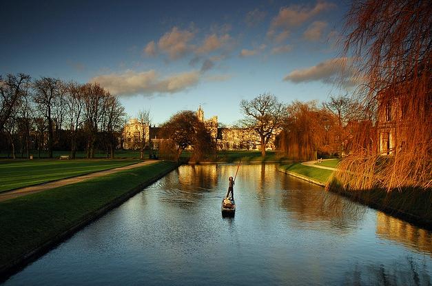 Winter-Punting-Cambridge